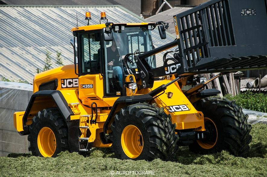 JCB 435s Agri & Claas Jaguar 960 + Deutz-Fahr & Fendt (Gras, Maes, 11-06-2016) (124 van 156)jpg
