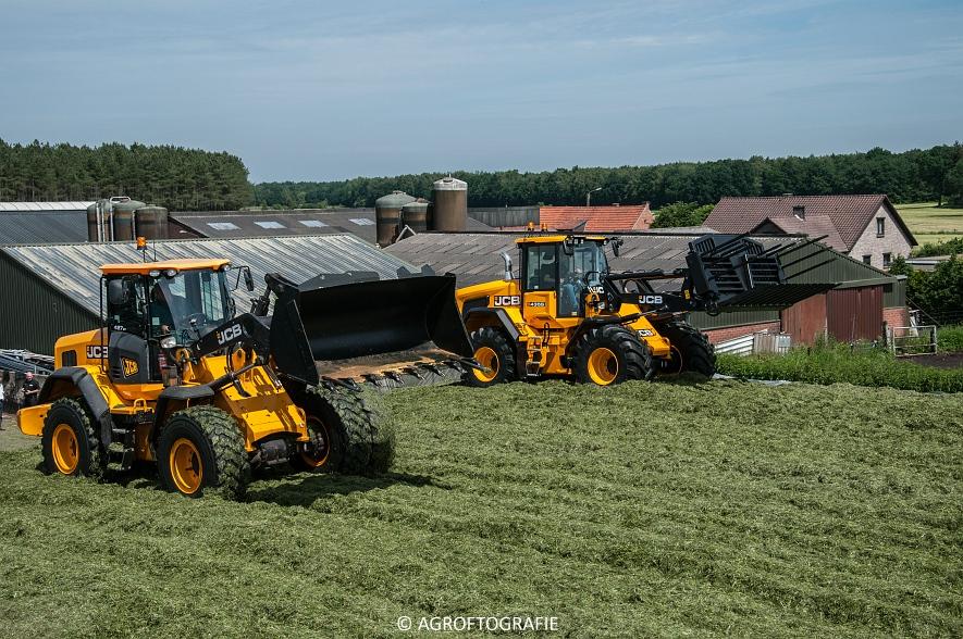 JCB 435s Agri & Claas Jaguar 960 + Deutz-Fahr & Fendt (Gras, Maes, 11-06-2016) (130 van 156)jpg