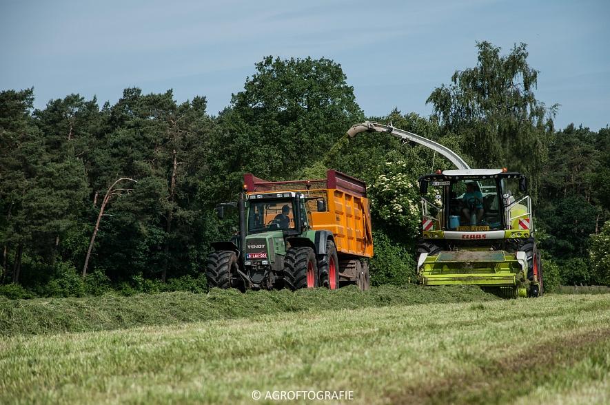 JCB 435s Agri & Claas Jaguar 960 + Deutz-Fahr & Fendt (Gras, Maes, 11-06-2016) (22 van 156)jpg