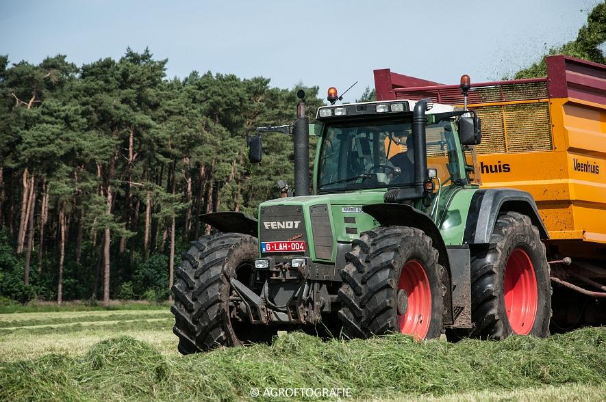 JCB 435s Agri & Claas Jaguar 960 + Deutz-Fahr & Fendt (Gras, Maes, 11-06-2016) (25 van 156)jpg