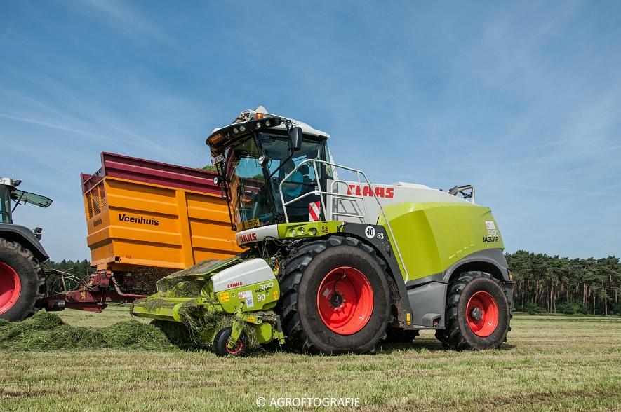 JCB 435s Agri & Claas Jaguar 960 + Deutz-Fahr & Fendt (Gras, Maes, 11-06-2016) (29 van 156)jpg