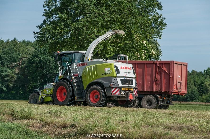 JCB 435s Agri & Claas Jaguar 960 + Deutz-Fahr & Fendt (Gras, Maes, 11-06-2016) (32 van 156)jpg
