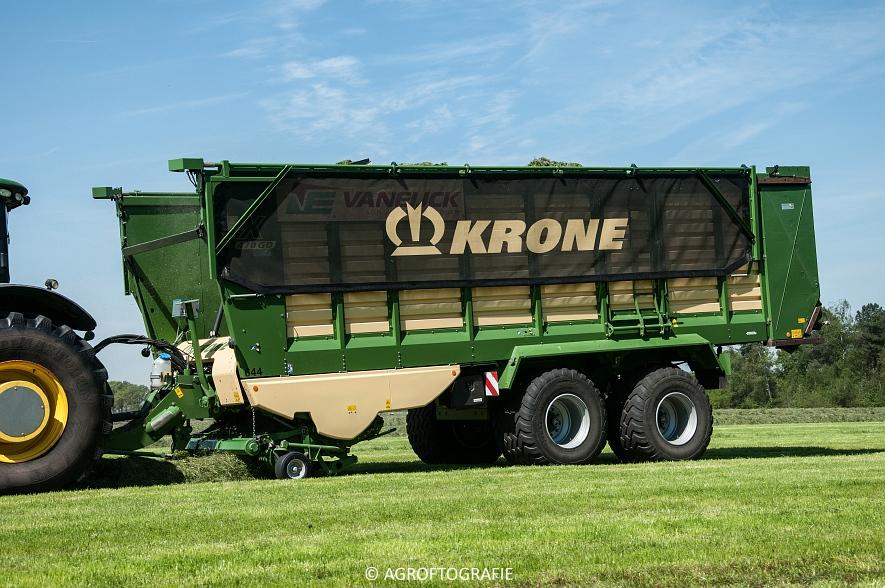 John Deere 7260R + Krone ZX 470 GD (Van Eijck, 09-05-2016) (41 van 52)jpg