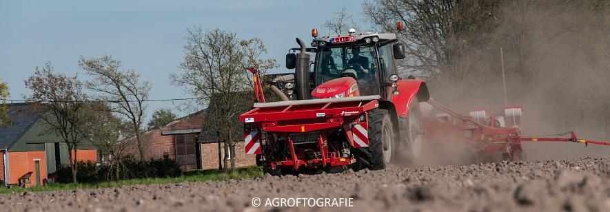 Massey Ferguson 7616 Dyna-VT + Kverneland Optima HD (04-05-2016) (29 van 47)jpg