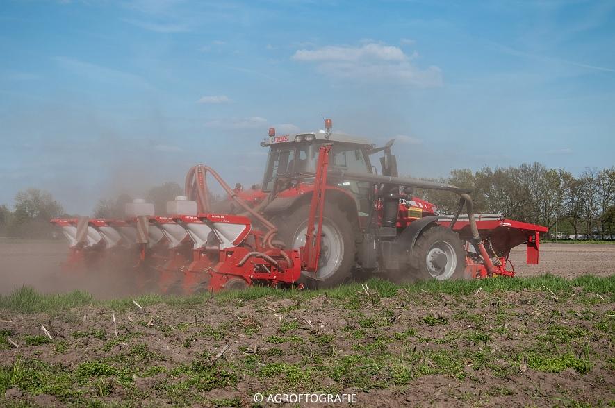 Massey Ferguson 7616 Dyna-VT + Kverneland Optima HD (04-05-2016) (3 van 47)jpg
