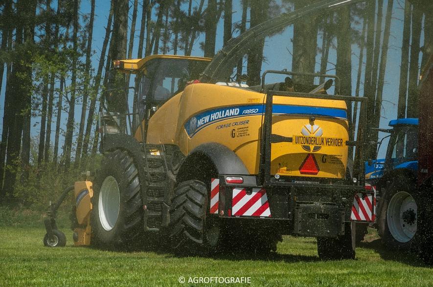 New Holland FR 850 Forage Cruiser (Geutjens, gras, 08-05-2016) (33 van 74)jpg