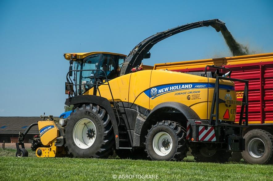 New Holland FR 850 Forage Cruiser (Geutjens, gras, 08-05-2016) (40 van 74)jpg