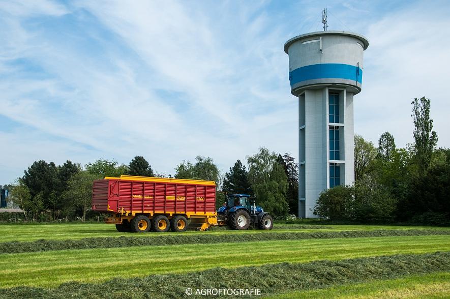 New Holland T7270 + Schuitemaker Rapide 3000 (09-05-2016, Aernouts-Tax) (13)jpg