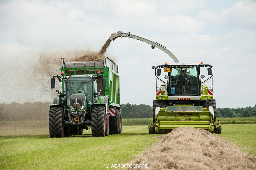 Claas Jaguar 940 + Fendt 930 & 722 + Joskin Drakkar (Gras, Snoeijen Agro, 09-07-2016) (55 van 70)jpg