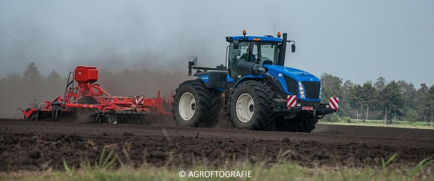 New Holland T9560 + Kuhn Performer 5000 (Cultiveren, Franken Agro, 16-07-2016) (15 van 74)jpg