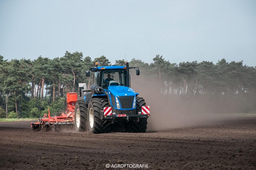 New Holland T9560 + Kuhn Performer 5000 (Cultiveren, Franken Agro, 16-07-2016) (28 van 74)jpg