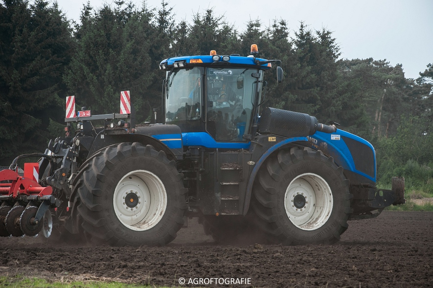 New Holland T9560 + Kuhn Performer 5000 (Cultiveren, Franken Agro, 16-07-2016) (38 van 74)jpg