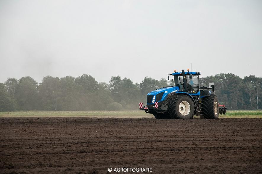 New Holland T9560 + Kuhn Performer 5000 (Cultiveren, Franken Agro, 16-07-2016) (40 van 74)jpg