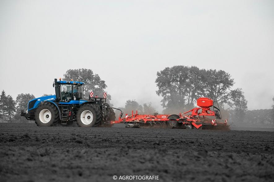 New Holland T9560 + Kuhn Performer 5000 (Cultiveren, Franken Agro, 16-07-2016) (46 van 74)jpg