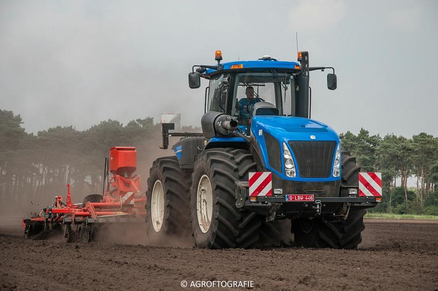 New Holland T9560 + Kuhn Performer 5000 (Cultiveren, Franken Agro, 16-07-2016) (54 van 74)jpg
