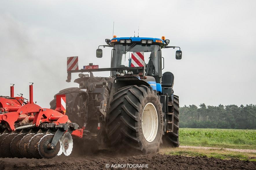 New Holland T9560 + Kuhn Performer 5000 (Cultiveren, Franken Agro, 16-07-2016) (59 van 74)jpg