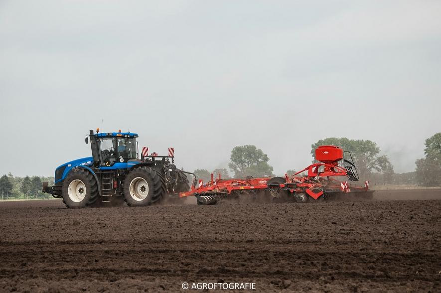 New Holland T9560 + Kuhn Performer 5000 (Cultiveren, Franken Agro, 16-07-2016) (64 van 74)jpg