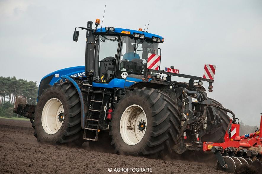 New Holland T9560 + Kuhn Performer 5000 (Cultiveren, Franken Agro, 16-07-2016) (71 van 74)jpg