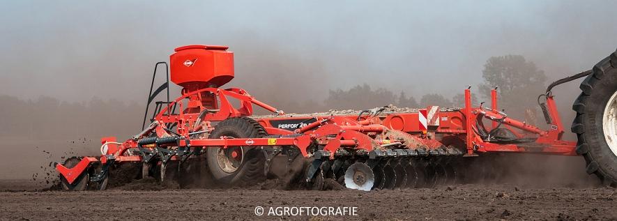 New Holland T9560 + Kuhn Performer 5000 (Cultiveren, Franken Agro, 16-07-2016) (9 van 74)jpg