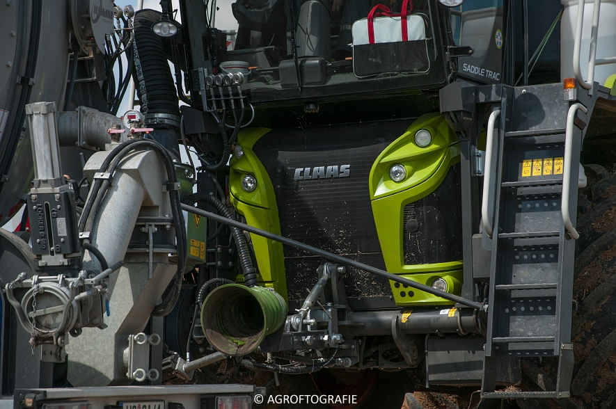Claas Xerion 4000 Saddle Trac + SGT (Bouwland, Gaspers, 15-08-2016) (69 van 96)jpg