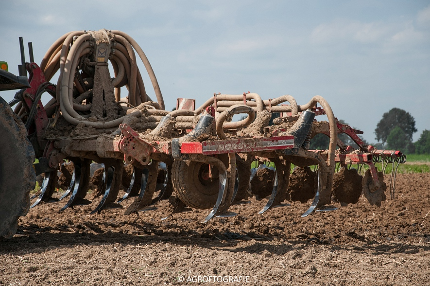 Claas Xerion 4000 Saddle Trac + SGT (Bouwland, Gaspers, 15-08-2016) (74 van 96)jpg
